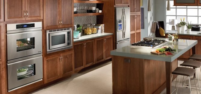 Earth Toned Kitchen Designed Around Dacor S Distinctive Series Including A 30 Inch Double