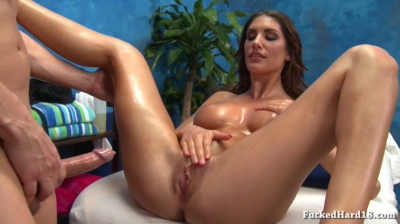 Perfectly Shaped Canadian Having Pussy Massage