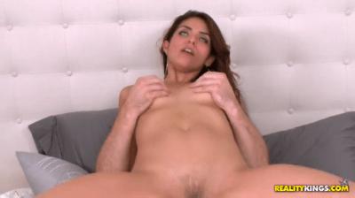 Isabella De Santos Sliding On A Cock