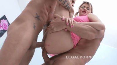 Naughty Babe To Fuck Two Huge Cocks