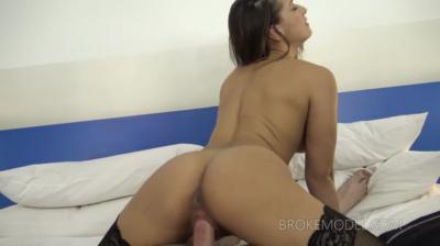 Cock-Craving Teenager Enjoys The Cock