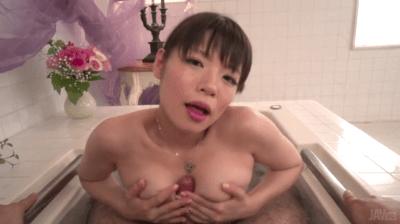 Stuning Nao Mizuki Japanese Handjob In The Tub
