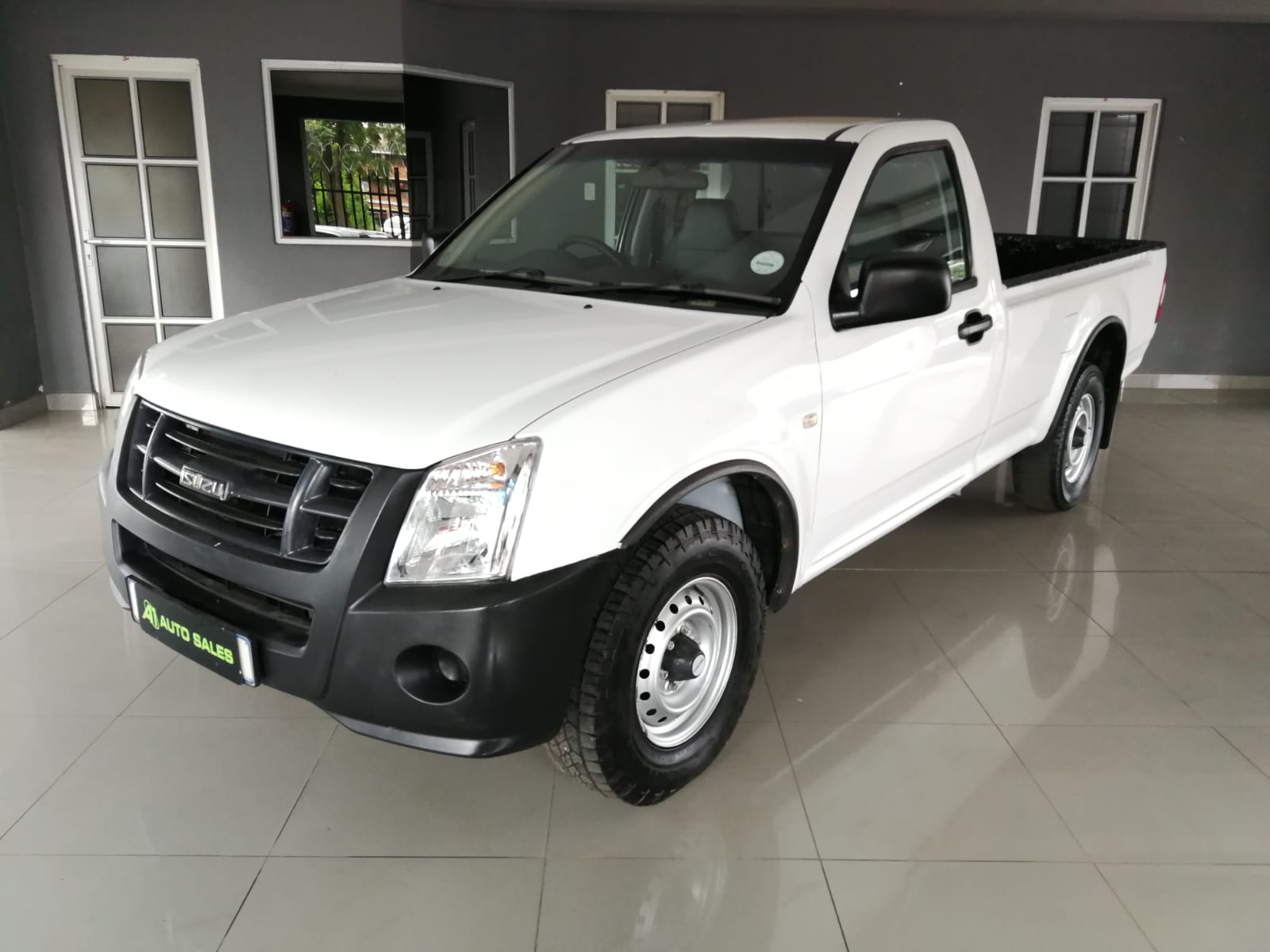 2012 Isuzu KB250D LWB full