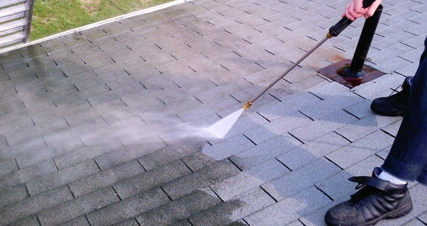 Roof Cleaning and Maintenance