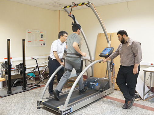A team of scientists from the University of Tehran have developed an unpowered exoskeleton that they suggest could help reduce a runner's metabolic rate. (Photo courtesy of Rezvan Nasiri)