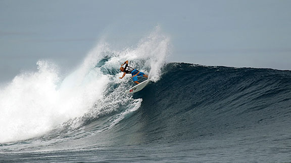 Kelly Slater wins 2012 Volcom Fiji Pro in pristine six-foot Cloudbreak conditions - Gabriel Medina Perfect 10