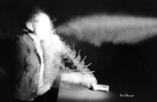Le fumeur, illustration de la notion espace-temps - Paul Blanqué - Maël éditions