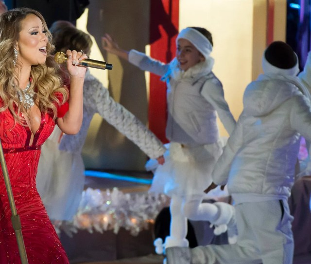 Mariah Carey Performs At The Nd Annual Rockefeller Center Christmas Tree Lighting Ceremony On Wednesday