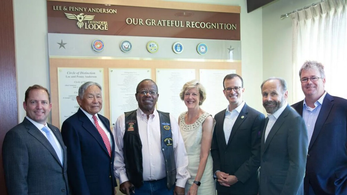 James Schenck, President and CEO of PenFed Credit Union; Honorable Frederick F.Y. Pang, Chairman of the PenFed Foundation, Billy Bryels, Veteran; Lisa Freeman, former Director/CEO, VA Palo Alto Health Care System; Assembly Member Marc Berman (24th District); State Senator Jerry Hill (13th District); William Ball, Chief, Voluntary & Hospital Services, VA Palo Alto Health Care System at the Lee & Penny Anderson Defenders Lodge.