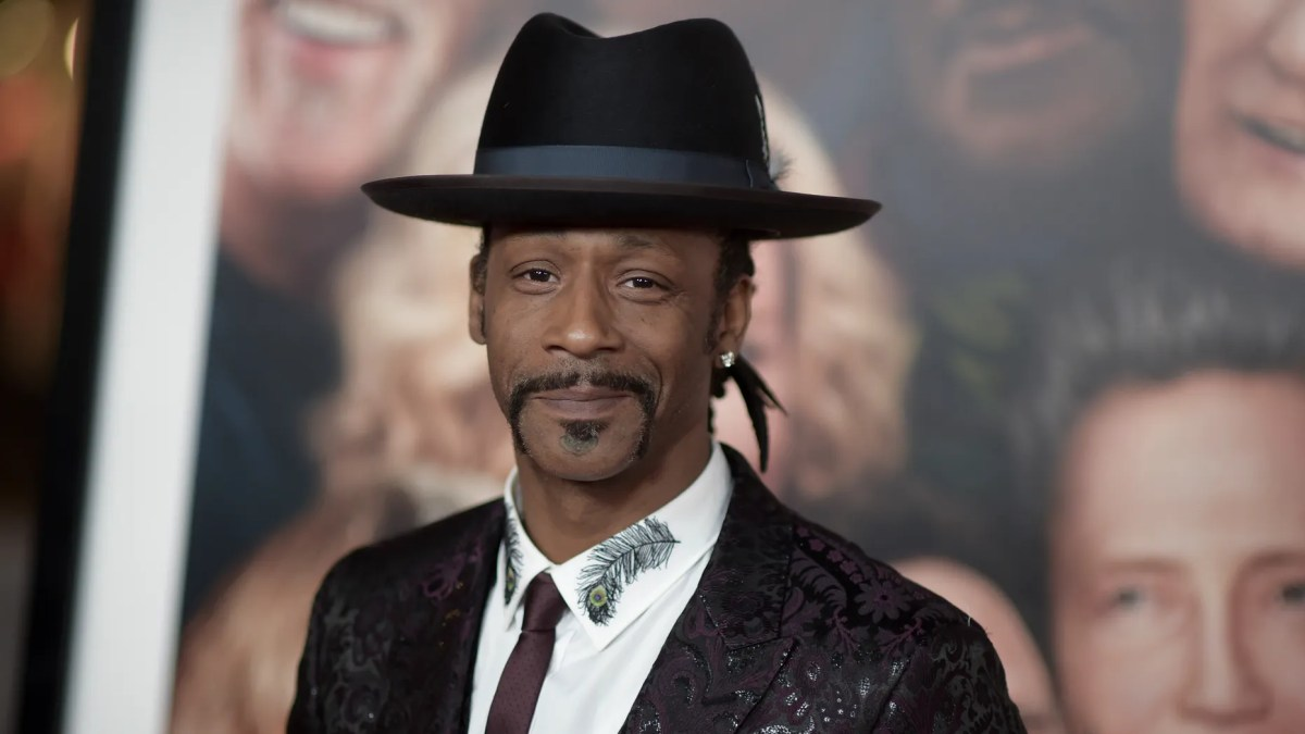 Comedian Katt Williams pled not guilty to an assault charge in which he is accused of striking a driver at Portland International Airport.