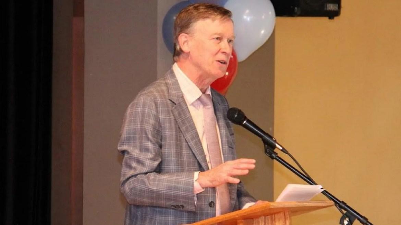 Le gouverneur du Colorado, John Hickenlooper, a accordé la clémence à 23 personnes, a rapporté vendredi le journal.