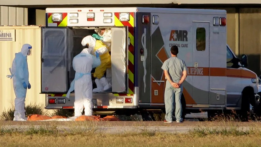 Ebola_transport_AP_660.jpg