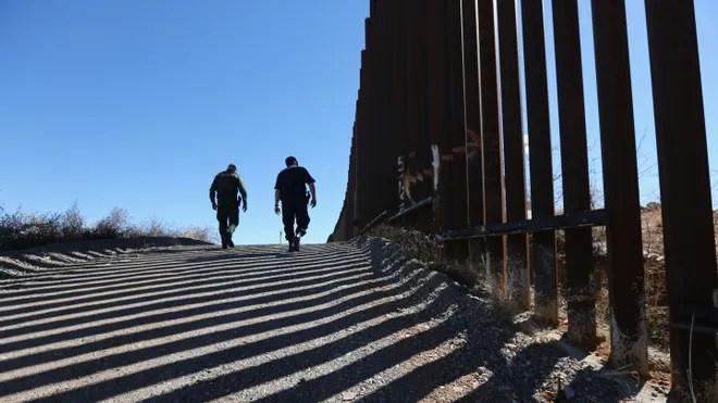 AZ Border Fence Latino.jpg