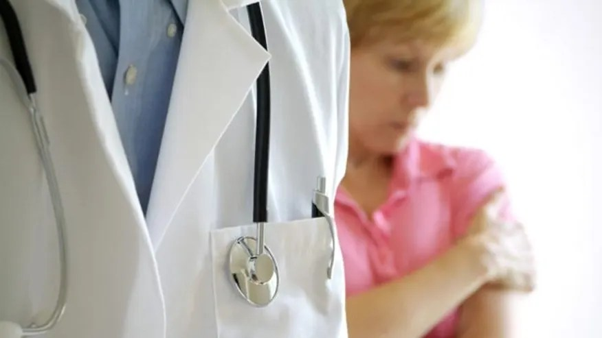 INT-HEALTHMENOPAUSEMYTH1-2CKPBG3A_FNC_051111_16-47.jpg