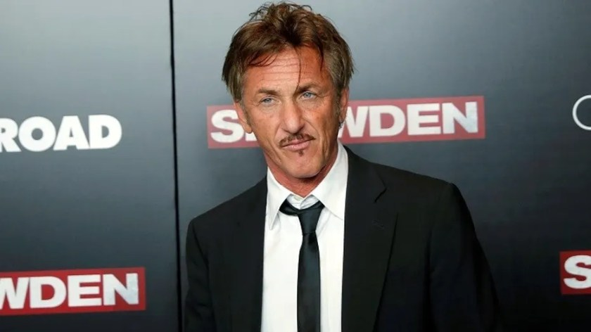 """Sean Penn's lawyers reportedly warned Netflix the new documentary series on Joaquin """"El Chapo"""" Guzman could put the actor in harm's way."""