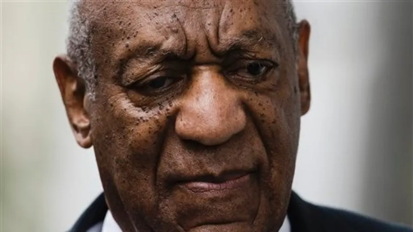 Bill Cosby is reportedly having trouble paying his mounting legal bills.