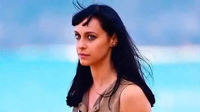Australian actress Jessica Falkholt died Wednesday following a devastating car wreck that killed her parents and sister a day after Christmas.