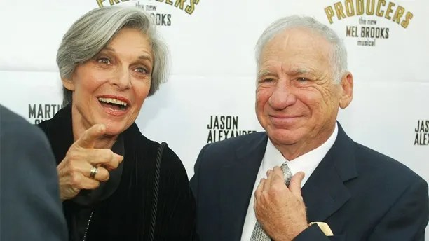 """Actor Mel Brooks and wife, actress Anne Bancroft arrive for openingnight of the musical he created, """"The Producers"""" May 29, 2003 inHollywood. The Los Angeles engagement of the hit musical stars MartinShort and Jason Alexander. REUTERS/Fred ProuserFSP - RP3DRIMNZZAA"""