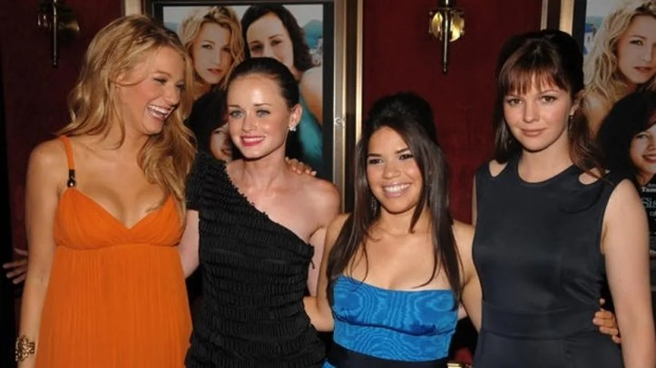 """From left, cast members Blake Lively, Alexis Bledel, America Ferrera and Amber Tamblyn pose for pictures at the premiere of """"The Sisterhood of the Traveling Pants 2"""" at The Ziegfeld Theatre on Monday July 28, 2008, in New York. (AP Photo/Peter Kramer)"""