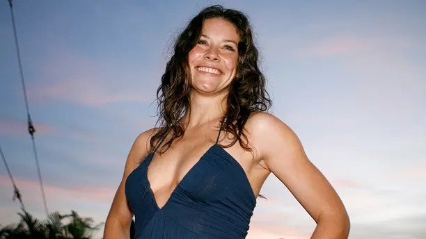 Actress Evangeline Lilly poses at the red carpet event for the hit TV show