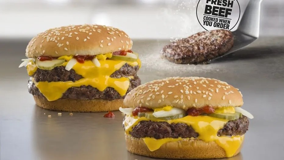 McDonald's debuts cooked-to-order, fresh beef Quarter ...