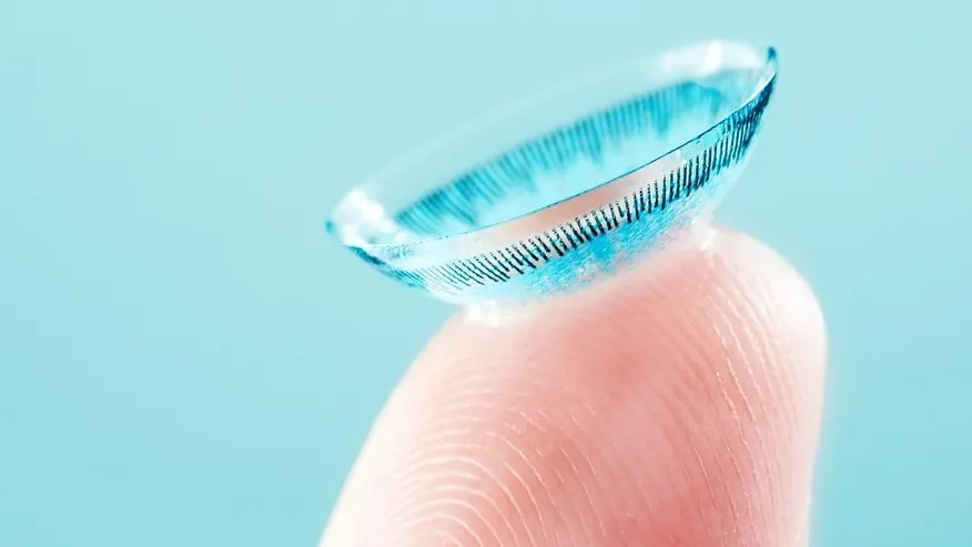 colored_contact_lens_istock