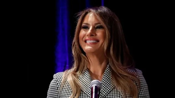 U.S. first lady Melania Trump delivers remarks at a reception with Team USA prior to attending the opening ceremony of the Invictus Games in Toronto, Canada September 23, 2017. REUTERS/Jonathan Ernst - RC1582C40300