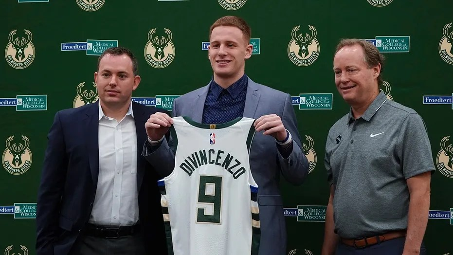 Milwaukee Bucks rookie Donte DiVincenzo showed how much he really has in his bank account.