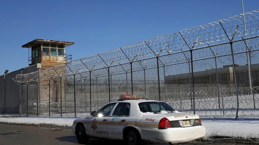 A Cook County Sheriff's police car patrols the exterior of the Cook County Jail in Chicago, Illinois, January 12, 2016.
