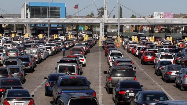 Cars stand in multiple lines as they wait to be inspected by U.S. border patrol officers to enter from Mexico to the U.S., at the San Ysidro point of entry, in Tijuana, Mexico, November 9, 2016. Picture taken from the Mexico side of the U.S.-Mexico border. REUTERS/Jorge Duenes - D1BEULWXHTAA