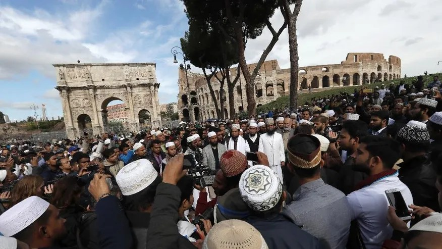 Image result for muslims protest colosseum
