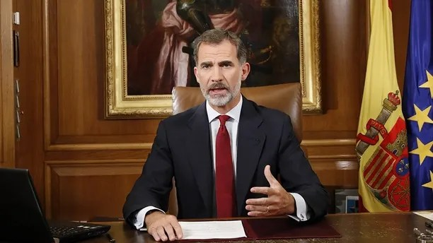 """In this image released by the Spanish Royal Palace, Spain's King Felipe VI delivers a speech on television from Zarzuela Palace in Madrid, Tuesday, Oct. 3, 2017. Spain's King said that Catalan authorities have deliberately bent the law with """"irresponsible conduct"""" and that the Spanish state needs to ensure constitutional order and the rule of law in Catalonia. (Spain's Royal Palace via AP)"""