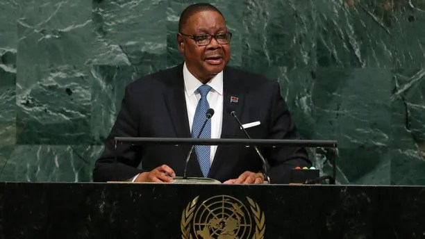 Malawi President Arthur Peter Mutharika addresses the 72nd United Nations General Assembly at U.N. headquarters in New York, U.S., September 20, 2017. REUTERS/Lucas Jackson - HP1ED9K1QGK4U