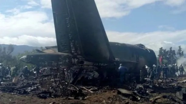 An Algerian military plane is seen after crashing near an airport outside the capital Algiers, Algeria April 11, 2018 in this still image taken from a video. ENNAHAR TV/Handout/ via REUTERS  THIS IMAGE HAS BEEN SUPPLIED BY A THIRD PARTY. ALGERIA OUT. NO COMMERCIAL OR EDITORIAL SALES IN ALGERIA. NO RESALES. NO ARCHIVES. - RC17211ACFB0