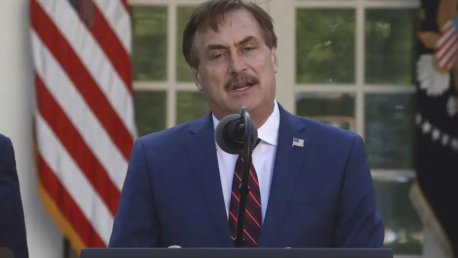 https www foxnews com media mainstream media mocks wh appearance of my pillow guy mike lindell despite contribution to virus fight