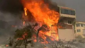 Thousands forced to evacuate as wind-fueled wildfires rip through Southern California; Adam Housley reports from Ventura.