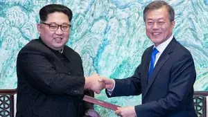 Kim Jong Un crosses border into South Korea for historic summit with President Moon; senior foreign affairs correspondent Greg Palkot reports from Seoul, South Korea.