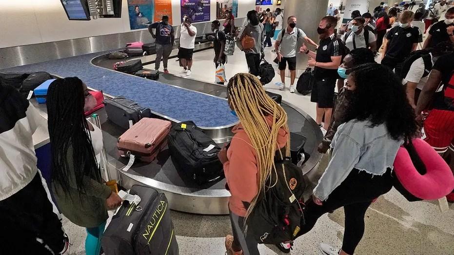 AirTravel-passengers-airport.jpg