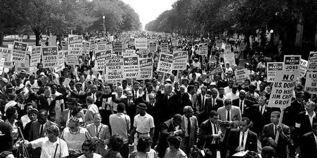 On August 28, 1963, along with other civil rights protesters who moved from Washington Memorial to Lincoln Memorial during March of Washington, were left with weapons during the march along Constitution Avenue, Drs.  Martin Luther King Jr., file photo.  (AP photo, file)