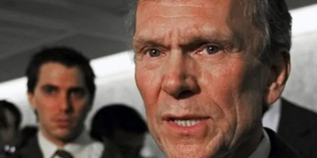 In the Obama era, former Senate Democratic Leader Tom Daschle withdrew his nomination for health secretaryafter facing tax questions.