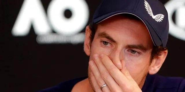 """Murray musste eine Pause von seiner Pressekonferenz einlegen, nachdem er in Melbourne auf der Bühne zusammengebrochen war. Nachdem er sich einige Minuten hinter den Kulissen zusammengesetzt hatte, sagte er: """"Ich fühle mich nicht gut."""