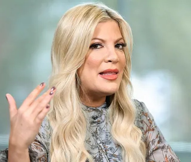 Tori Spelling Confirmed A Beverly Hills 90210 Reboot Is In