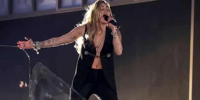 """Miley Cyrus performs """"In My Blood"""" at the 61st annual Grammy Awards on Sunday, Feb. 10, 2019, in Los Angeles."""