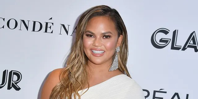 Chrissy Teigen has gone silent on Twitter after last tweeting an apology to Courtney Stodden on May 12.