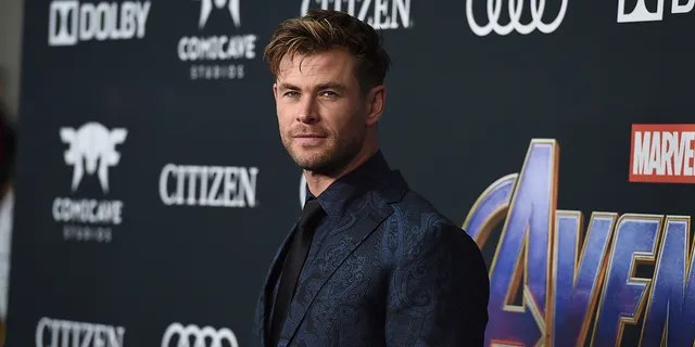 Chris Hemsworth arrives at the premiere of