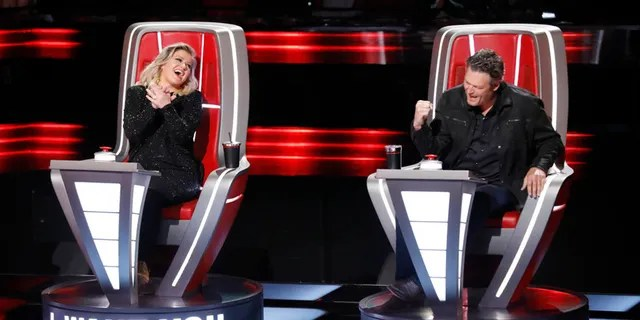 Kelly Clarkson and Blake Shelton on 'The Voice.'
