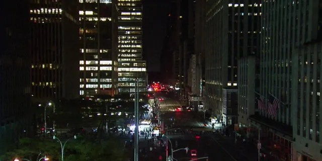 Looking north on 6th Avenue at approximately 9:50 p.m.