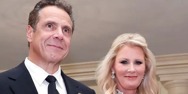 Gov. Andrew Cuomo, D-N.Y., is accompanied by his girlfriend Sandra Lee at the White House in Washington, Oct. 18, 2016. (Associated Press)