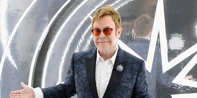 Elton John laid into security guards at his recent concert for trying to kick a woman out.