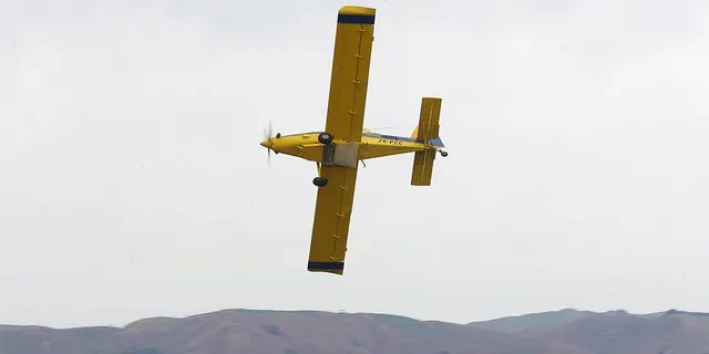 """An Air Tractor AT 602 (like this one) crashed on September 7 in Turkey, a small town 90 kilometers west of the Oklahoma border, after having slowed down too much to evacuate """"350 gallons of water."""" 'Pink Water' as part of a gender revelation, said the National Transportation Safety Board."""